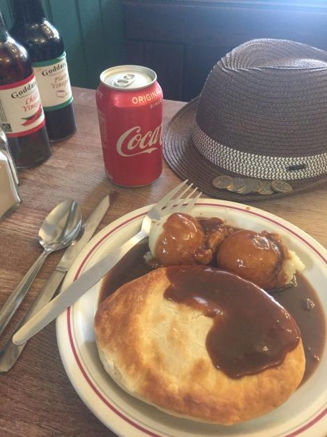 thepoetofcuisine : Single pie and mash